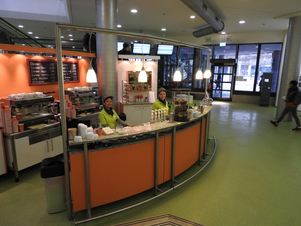 Cafebar an der Universität Augsburg im Mensa Gebäude
